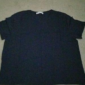 Everlane navy tshirt